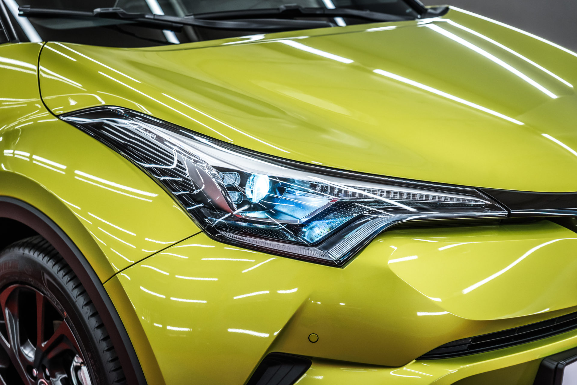 Toyota CHR Hybrid Neon Lime JBL