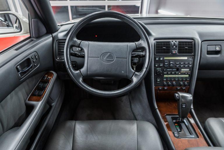 Lexus LS400 I gen. biała perła + czarne wnętrze - Radom, Kielce
