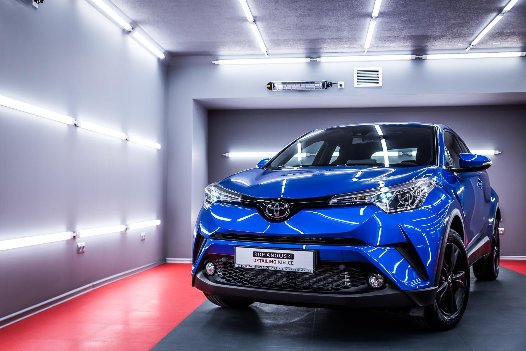 Toyota CHR Hybrid – niebieska