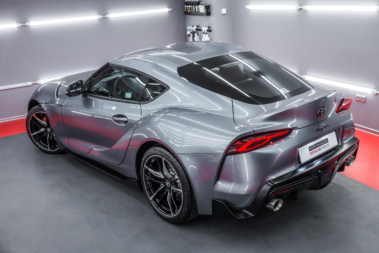 Toyota GR Supra grafitowy metalik
