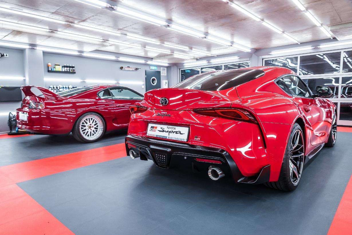 Toyota GR Supra & Supra MKIV – czerwone