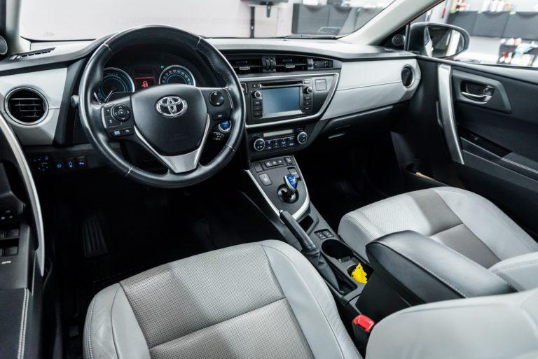 Toyota Auris Hybrid 2014 - Radom, Kielce