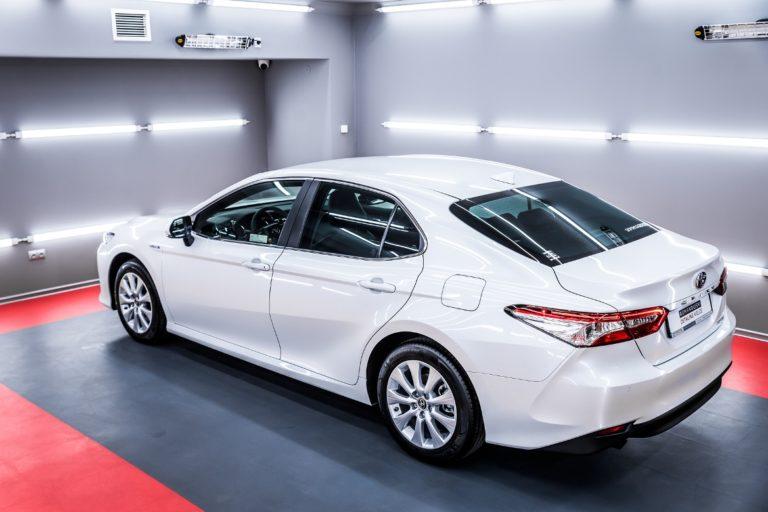 Toyota Camry Hybrid – biała perła - Radom, Kielce