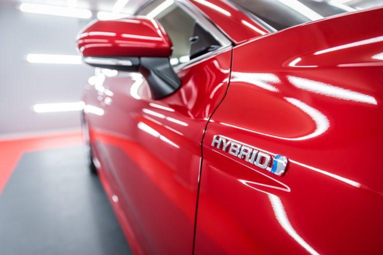 Toyota Camry Hybrid - czerwona - Radom, Kielce
