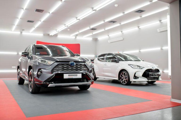 Toyota RAV4 Hybrid Selection - powłoka ceramiczna - Radom, Kielce