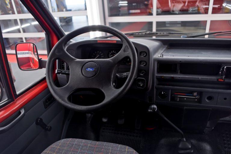 Ford Transit - mycie detailingowe i korekta lakieru - Radom, Kielce